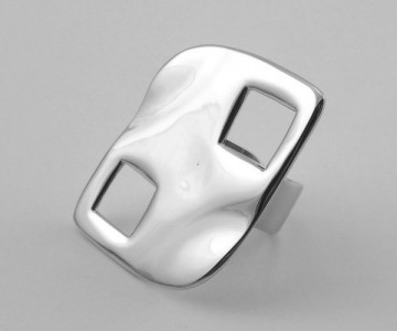 Serie Hot Stigma Squares - Anillo 4 x 3.2cm